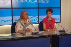 Mercedes Fern�ndez y Emma Ramos.