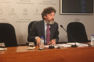 Mat�as Rodr�guez Feito, en el Parlamento asturiano.