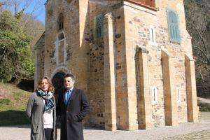 Pedro de Rueda, en San Miguel de Lillo junto a María Ablanedo.
