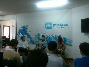 Pedro de Rueda, en el acto sobre el deporte organizado por Nuevas Generaciones en Mieres.