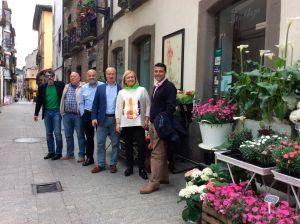 Mercedes Fern�ndez, junto a Luis Venta, Mat�as Rodr�guez Feito, Jos� Luis Fontaniella y los populares de Cangas del Narcea, Salas e Ibias.