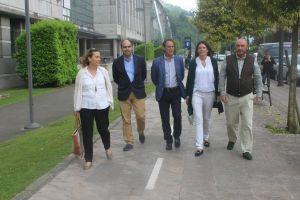 Visita de Susana L�pez Ares al campus de Mieres.