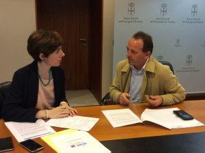 Emma Ramos, con el vicepresidente de la asociaci�n de aut�nomos AFAS.