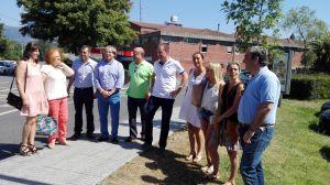 Carlos Su�rez, Luis Venta, Marif� G�mez y cargos p�blicos del PP en el Oriente, ante el Hospital de Arriondas.