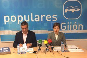 Emma Ramos y Pablo Gonz�lez, durante la rueda de prensa.