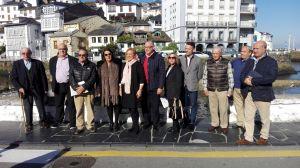 Mercedes Fern�ndez, con los populares de Luarca.
