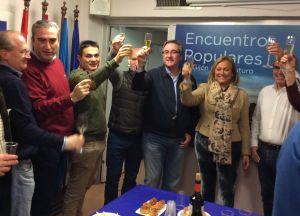 Mercedes Fernández, en el brindis Fin de Año de la junta local de Gijón.