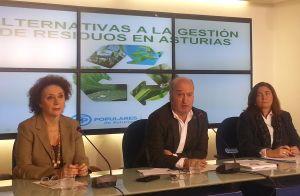 Isabel Casielles, Luis Venta y Sofía Cosmen, durante la rueda de prensa.