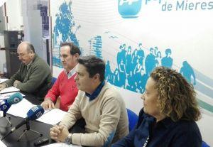 Pedro de Rueda, en la sede del PP de Mieres.
