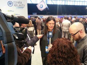 Susana López Ares atiende a los medios asturianos desplazados a Madrid para cubrir el 18.º Congreso Nacional del PP.