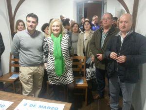 Mercedes Fernández, junto a José Luis Fontaniella en la nueva sede del PP de Cangas del Narcea.