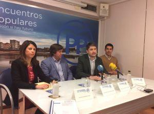 José Ramón Fernández, en la sede del PP de Gijón, presenta la ponencia