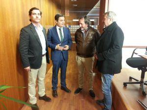 Pedro de Rueda, reunido con representantes de la Federación de Pesca Deportiva.