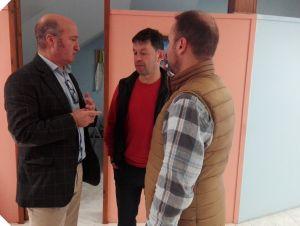 Luis Venta, en Moreda, con Juan Antonio del Peño y Juan Sutil.