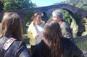 Marifé Gómez, durante su rueda de prensa en Cangas de Onís.