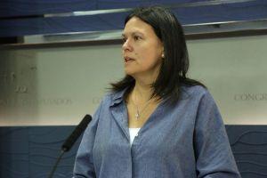 Susana López Ares, durante la rueda de prensa en el Congreso de los Diputados.