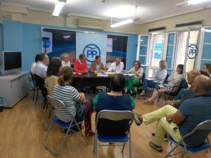 La Comisión de Educación del PP, reunida en Avilés.