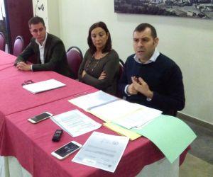 David González Medina, Marifé Gómez y José Manuel González Castro, en Cangas de Onís.