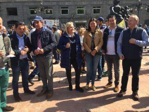 Mercedes Fernández, en la concentración en apoyo a la caza.