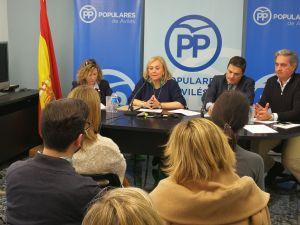 Mercedes Fernández, durante la junta local de Avilés.