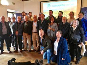 Foto de familia en el Congreso del PP de Llanes.