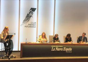 Paloma Gázquez debatió en el Club de Prensa de La Nueva España.