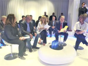 Gázquez mantuvo un encuentro con autónomos y pequeños empresarios.